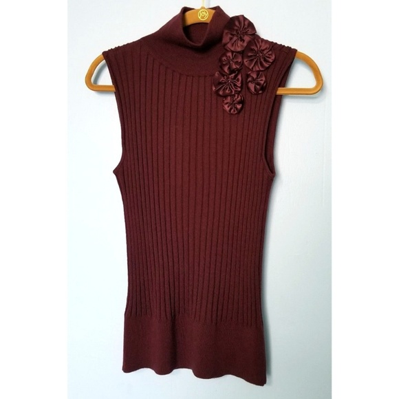 520061209a NWT Antonio Melani Fitted Sweater Size Medium